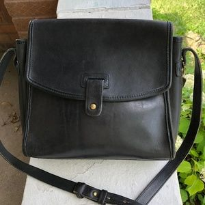COACH Vintage 90s Mulberry Navy Leather Stud BAG